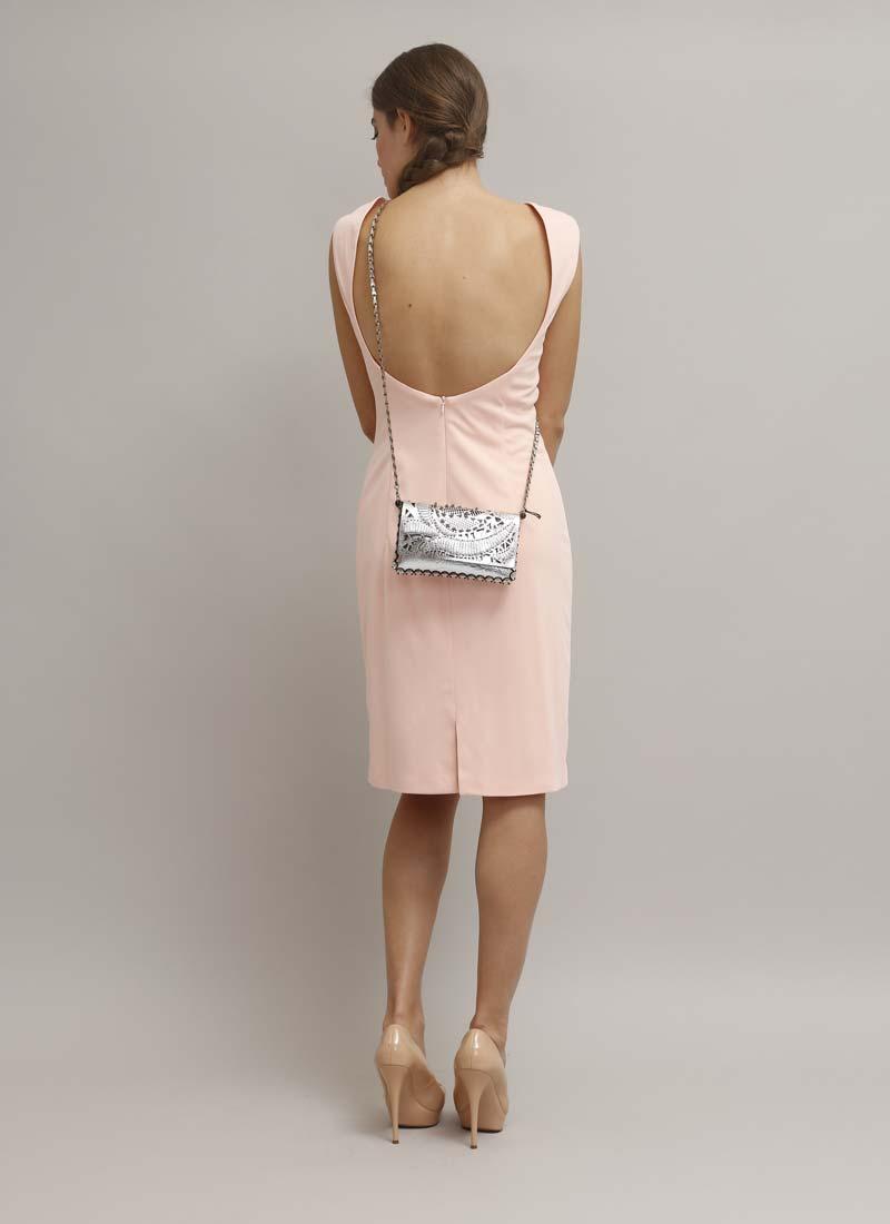 abito-tubino-rosa-schiena-scoperta_dietro-borsa