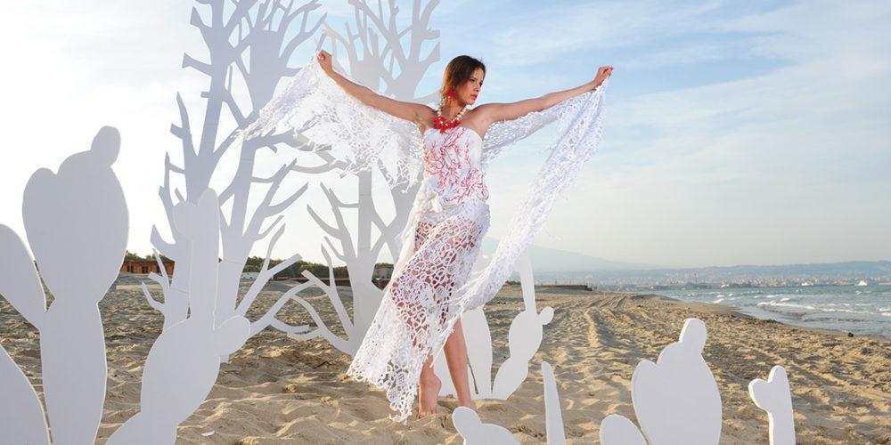 Abito da sposa con coralli Mariella Gennarino fotografato per Tutto Sposi