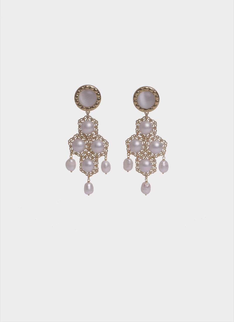 Orecchini in ottone con perle di Mariella Gennarino